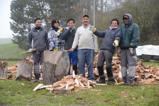 Die Arbeit ist zwar streng, aber eine willkommene Abwechslung: Satesh, Hamid, Hamid, Vorarbeiter Ali, Aduhail und Sri.